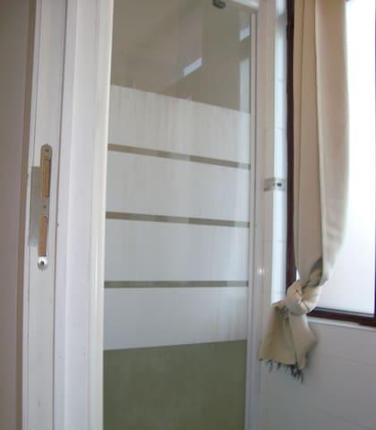 2-bedroom apartment for 5 ppl in 2100 Antwerpen