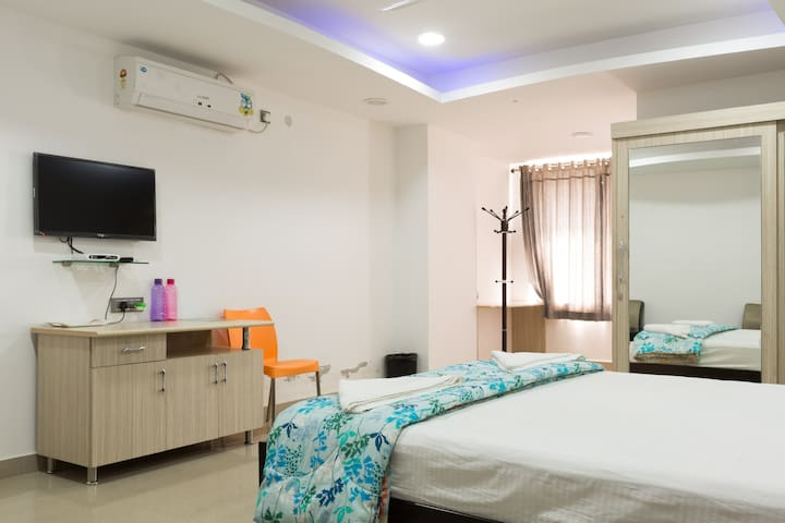 Premium rooms @ Hitec city, kodapur - Hyderabad - Apartment