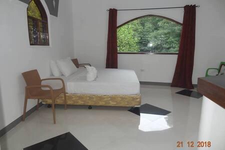 Franswa Inn ,Room 3: AC Private room and Bathroom