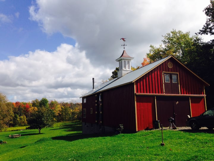 Country Getaway at Ithaca Music-lovers Barn