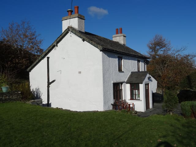 Romantic hillside cottage - Ulverston - Hus