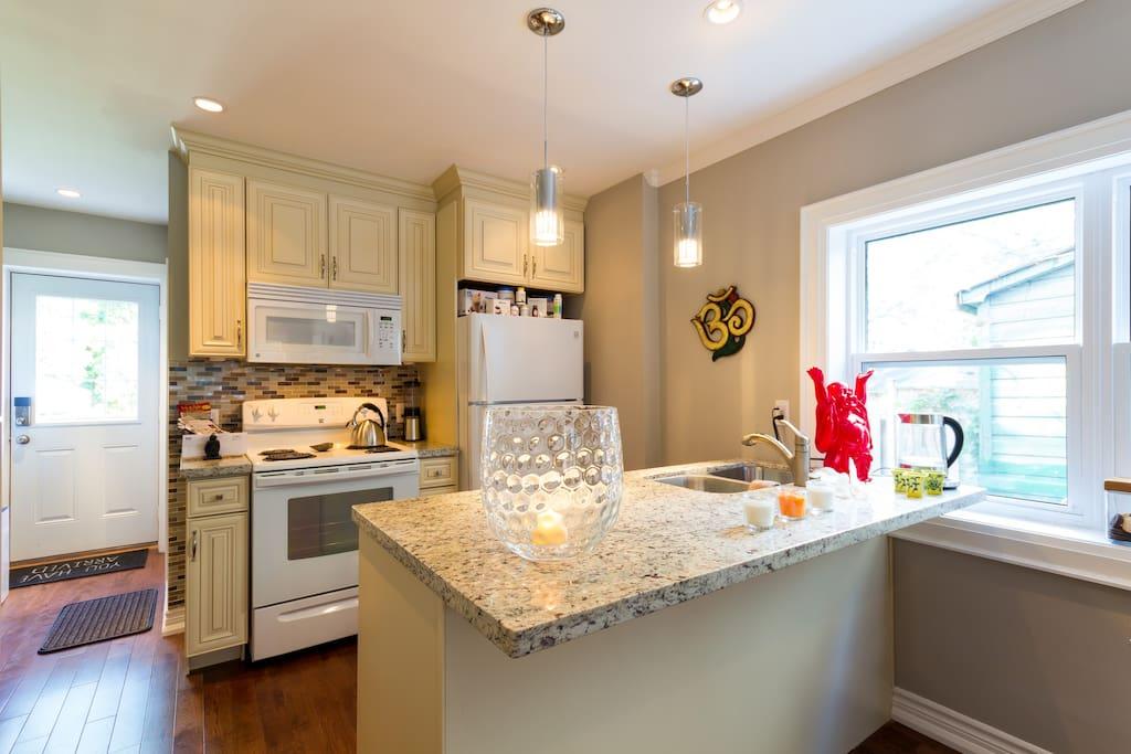 StudioBe's main floor open kitchen.