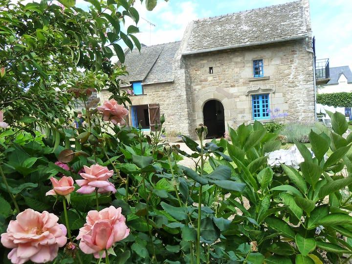 Belle maison de caractère bretonne, grand jardin