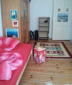 3 beds, berlin, balcony - Berlin - Apartment