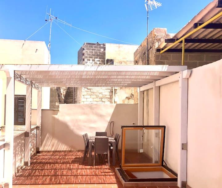 Casa Marina con grande terrazzo