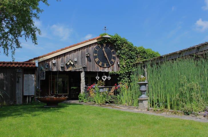 De Kippeskuur - Limmen - Blockhütte