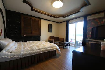 BALI MOTEL(발리모텔) Deluxe Room1 디럭스룸 - Banpo-myeon, Gongju