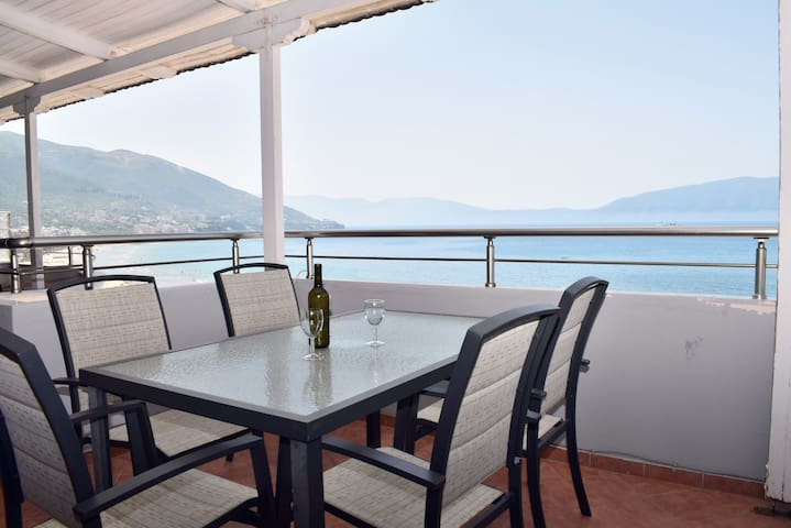 Wonderful Penthouse in Vlora - 001
