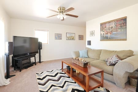 Comfortable 1BD in downtown SF