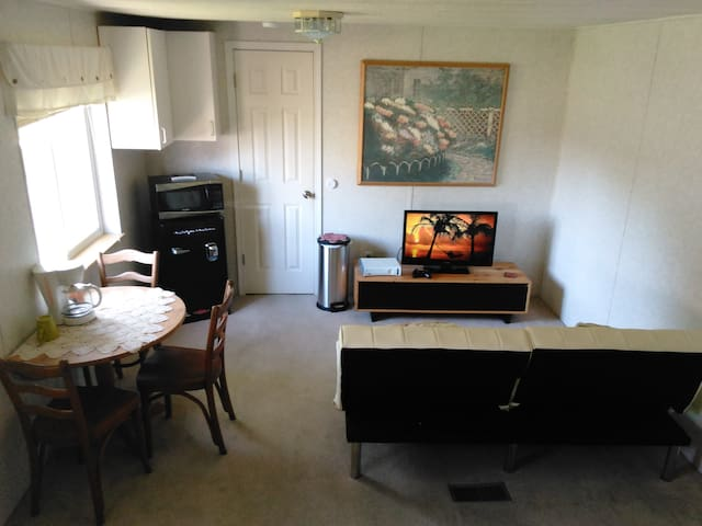 Studio w/ private entrance&bathroom - Moses Lake - Hus