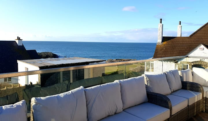 LUXURY HOUSE WITH SEA VIEWS - RAVENSPOINT ROAD