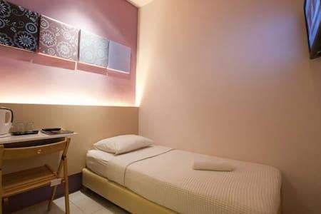Bukit Bintang Single Room - Kuala Lumpur - Bed & Breakfast