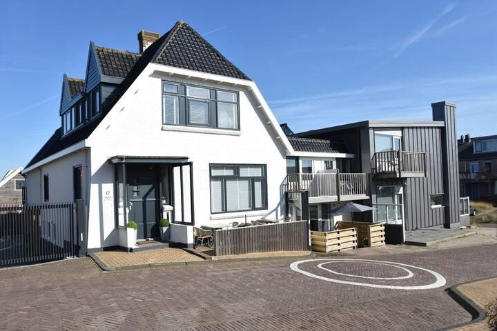 Maison de vacances avec parking privé près de la plage de Bergen aan Zee