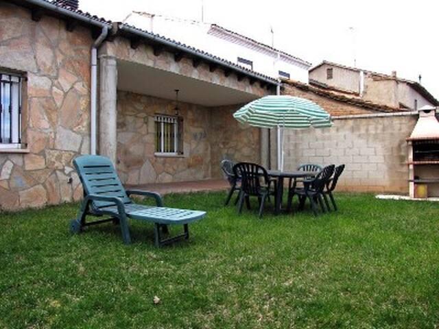 casa rural con encanto cerca de burgo de osma - Bayubas de Abajo - House