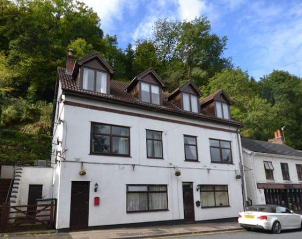 Wye View, Guy's Cliffe, Tintern - Tintern - Apartment