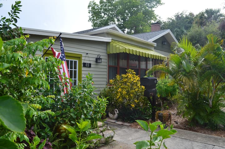Manor House at Indian River Retreat - Cocoa - Hus