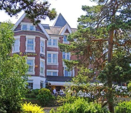 En-suite Room in the Heart of Bournemouth