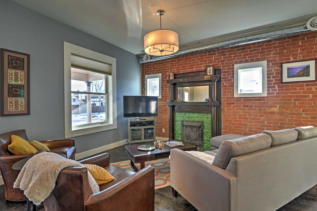 Relax in the charming living room and watch your favorite shows on the  flat screen cable TV.