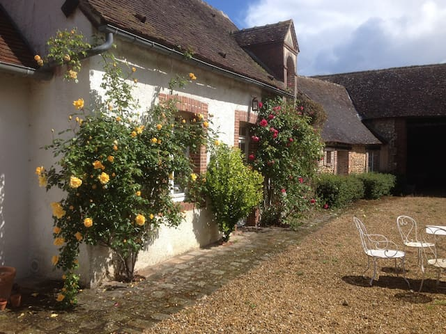 Une Maison à la campagne à deux pas de Paris - Le Boullay-Mivoye - Rumah