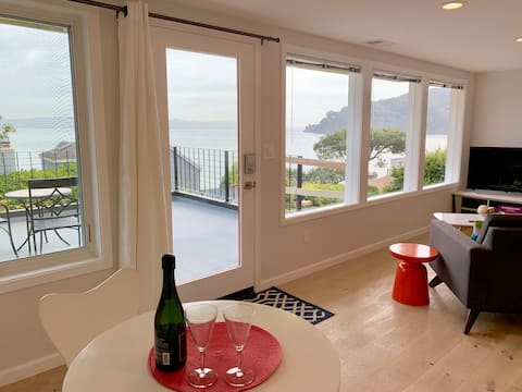 Water view apartment in Old Town Tiburon