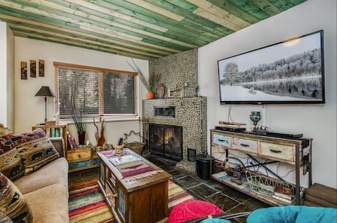 Enchanting 2 Bedroom Riverfront Retreat