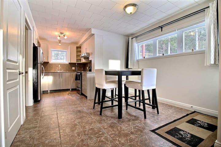 Superbe logement entièrement rénové - 1 chambre