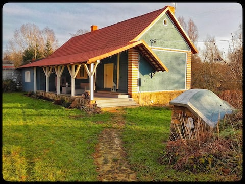 Vintage 109 year old  house 90m² with green area