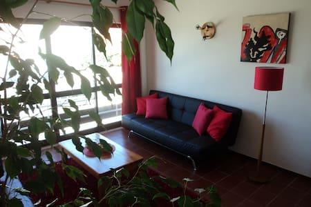 Ocean-side home with enclosed yard - Lourinhã - Talo