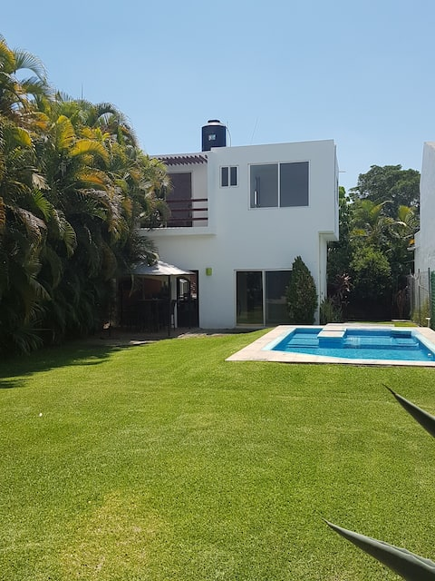 Casa de Campo en Yautepec, servicios PRIVADOS.