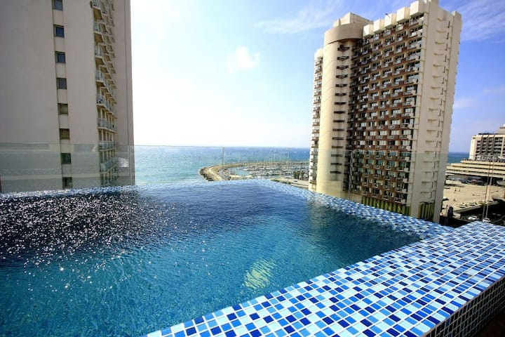 Full Sea-View Penthouse With Praivet Swimming Pool