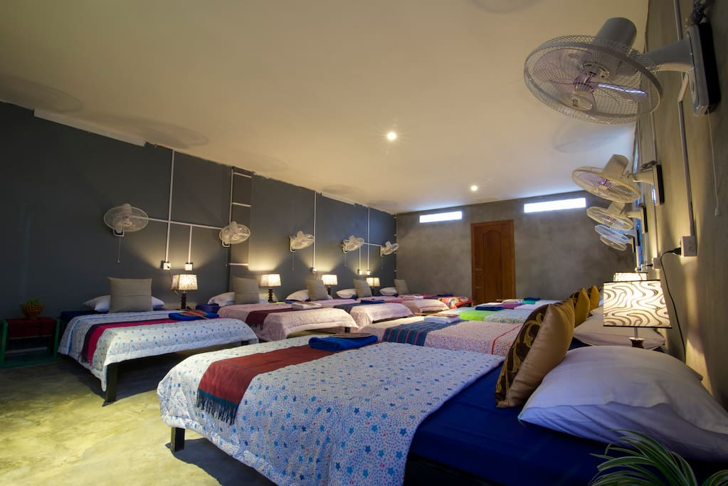 10 BED STATION STAY