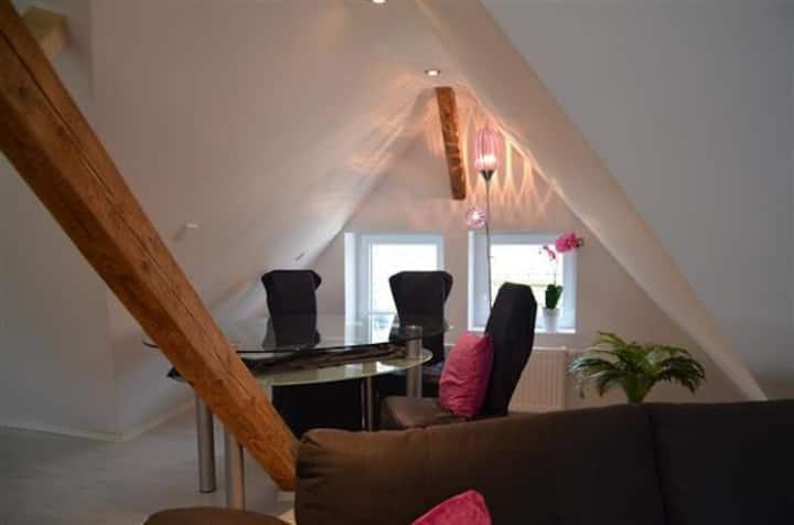 Moderne 90m² Wohnung 2 geschossig