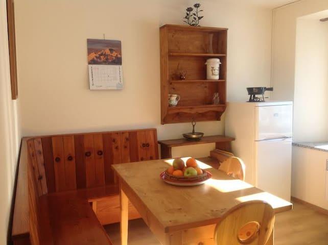 Accogliente e luminoso appartamento - Poschiavo - Apartemen