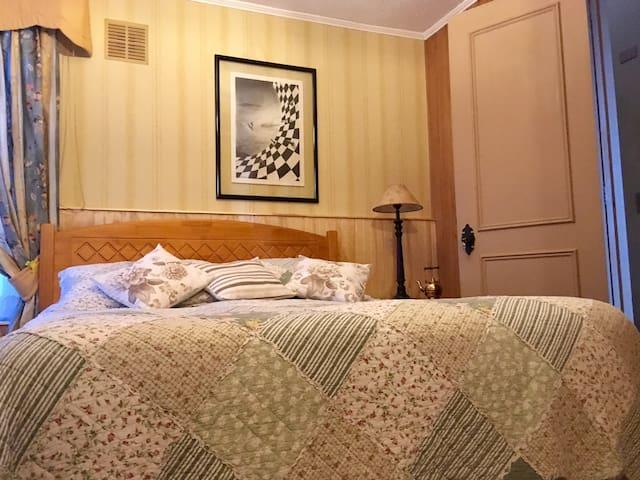Hostal Pontevedra. Habitaciones con baño privado.
