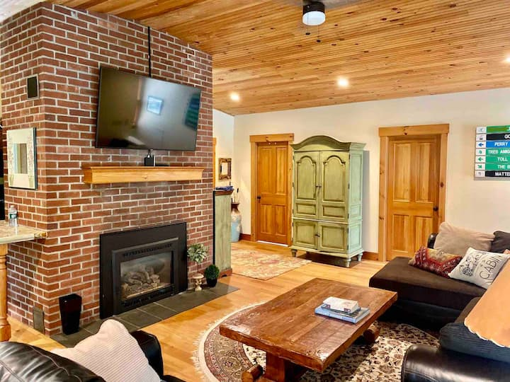 Vermont country house in heart of Stowe!