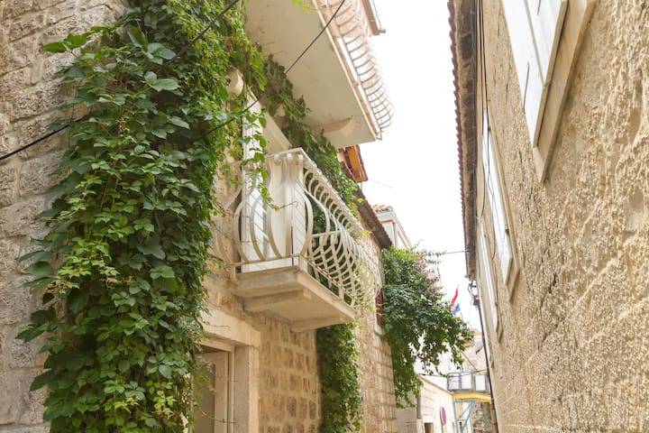 Charming 2 bedroom studio 2 balcony - Trogir - Casa