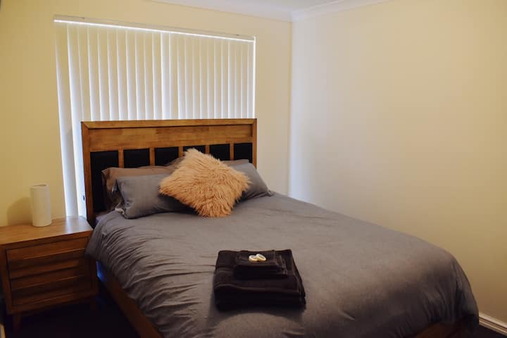 Shared Living with Private Room, Queen size bed