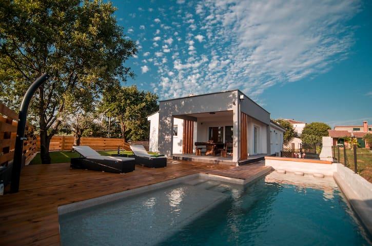 New 2019. Villa Olea