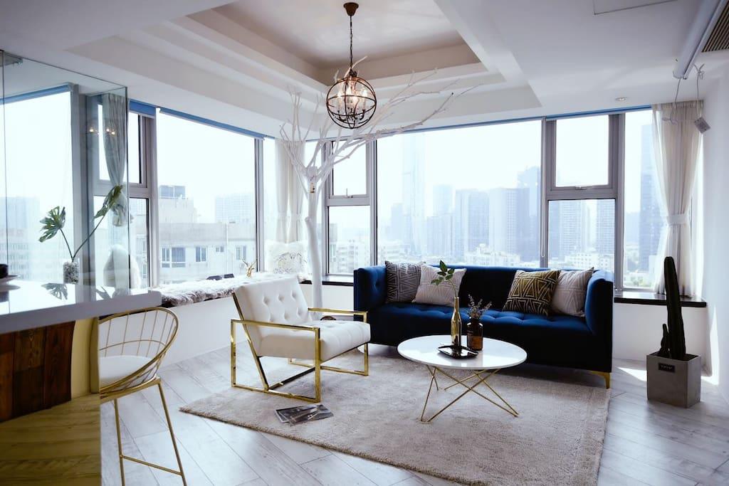 客厅,270度观景落地窗
