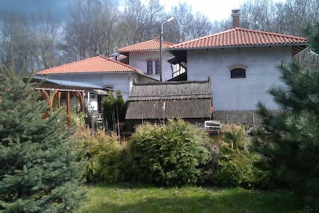 Lovaspanzió Budapest közelében - Casa de campo