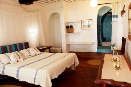 Spacious double bedroom with private bathroom free wifi and sea view