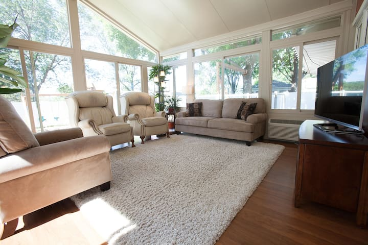 Remodeled Ranch Style 4 Bedroom near Mayo Clinic