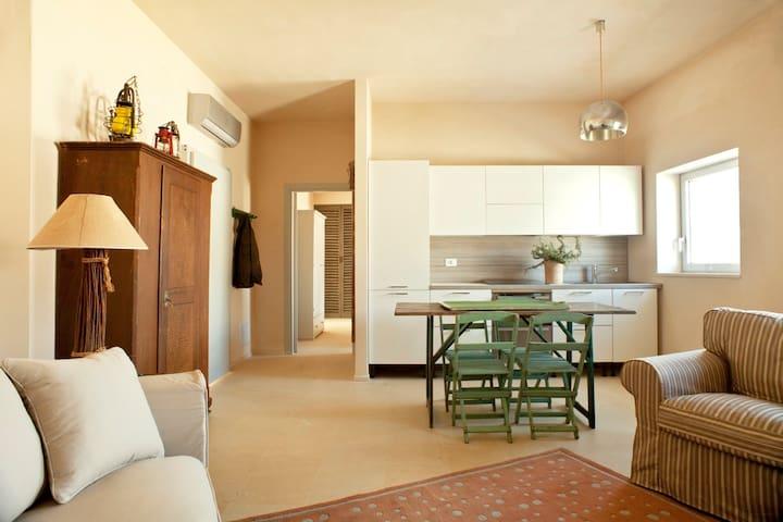 Arance&Limoni,cosy flat w/ panoramic balcony&pool
