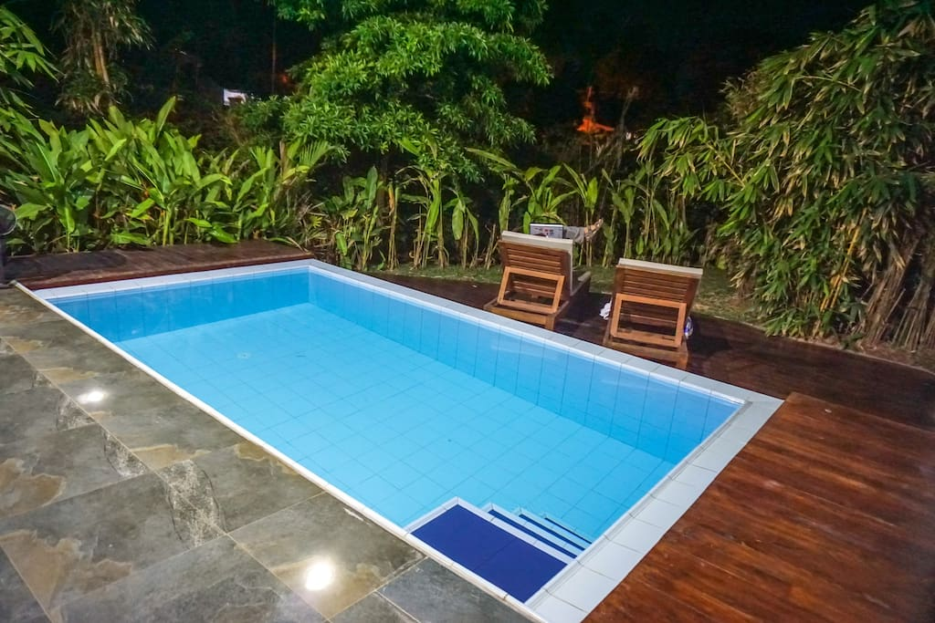Infinity-edge plunge pool of the Fire Villa, Waterland