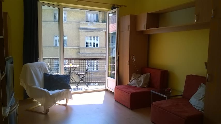 Small Flat in the center of Buda! - Boedapest - Appartement
