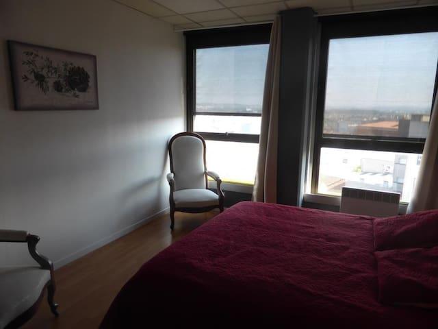 Chambre dans LOFT en cœur de ville - Angoulême - Loft