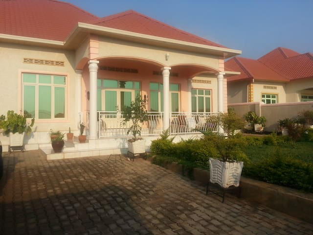 Another Peacefull House - Kigali - Huis