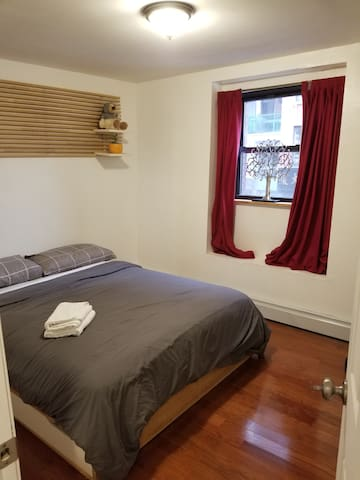 !Pvt room sanitized-LES-NYC Ur $ feed homeless