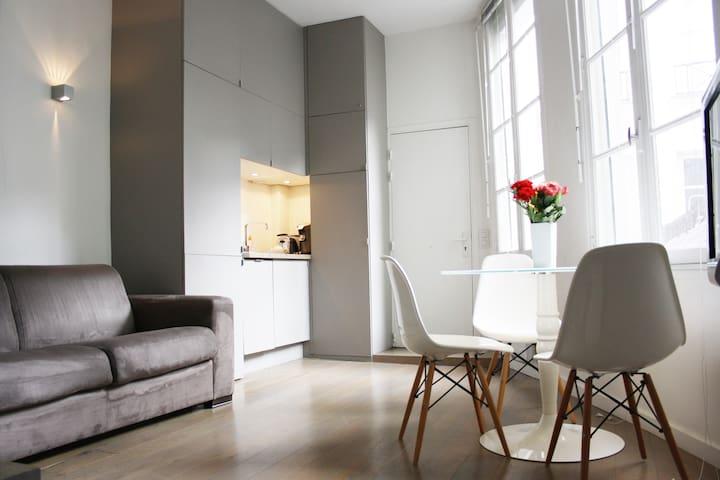 One Bedroom Modern Apartment Marais