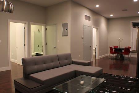 Renovated Modern 2 Bed/2 Bath Loft  - Albany - Loft
